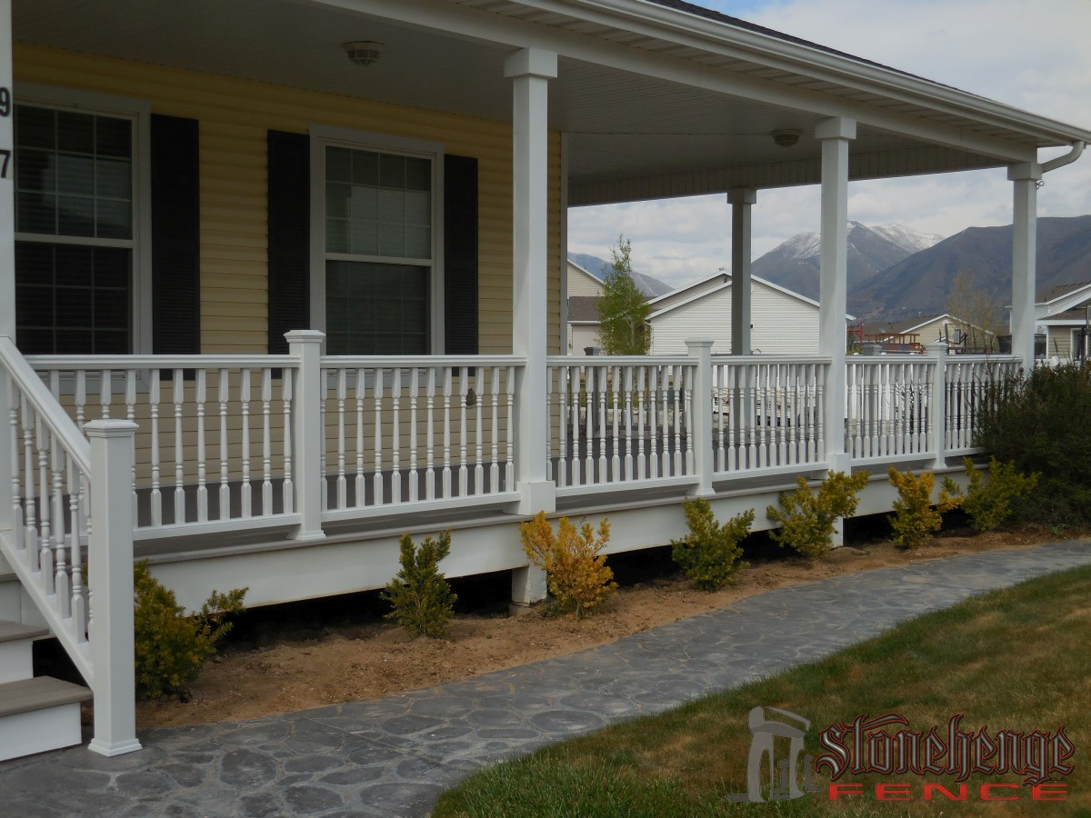 Trex decking in utah for Composite deck material reviews
