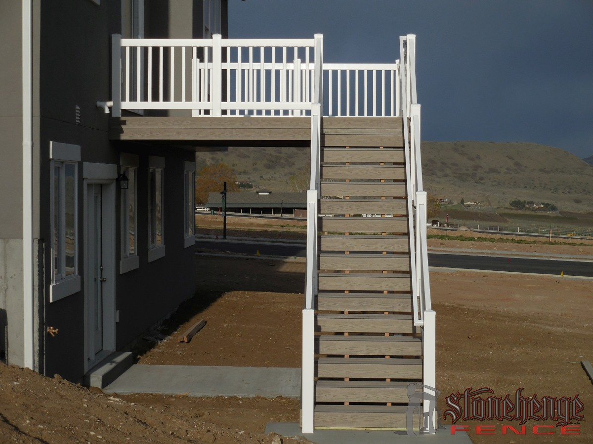 Deck Stairs004
