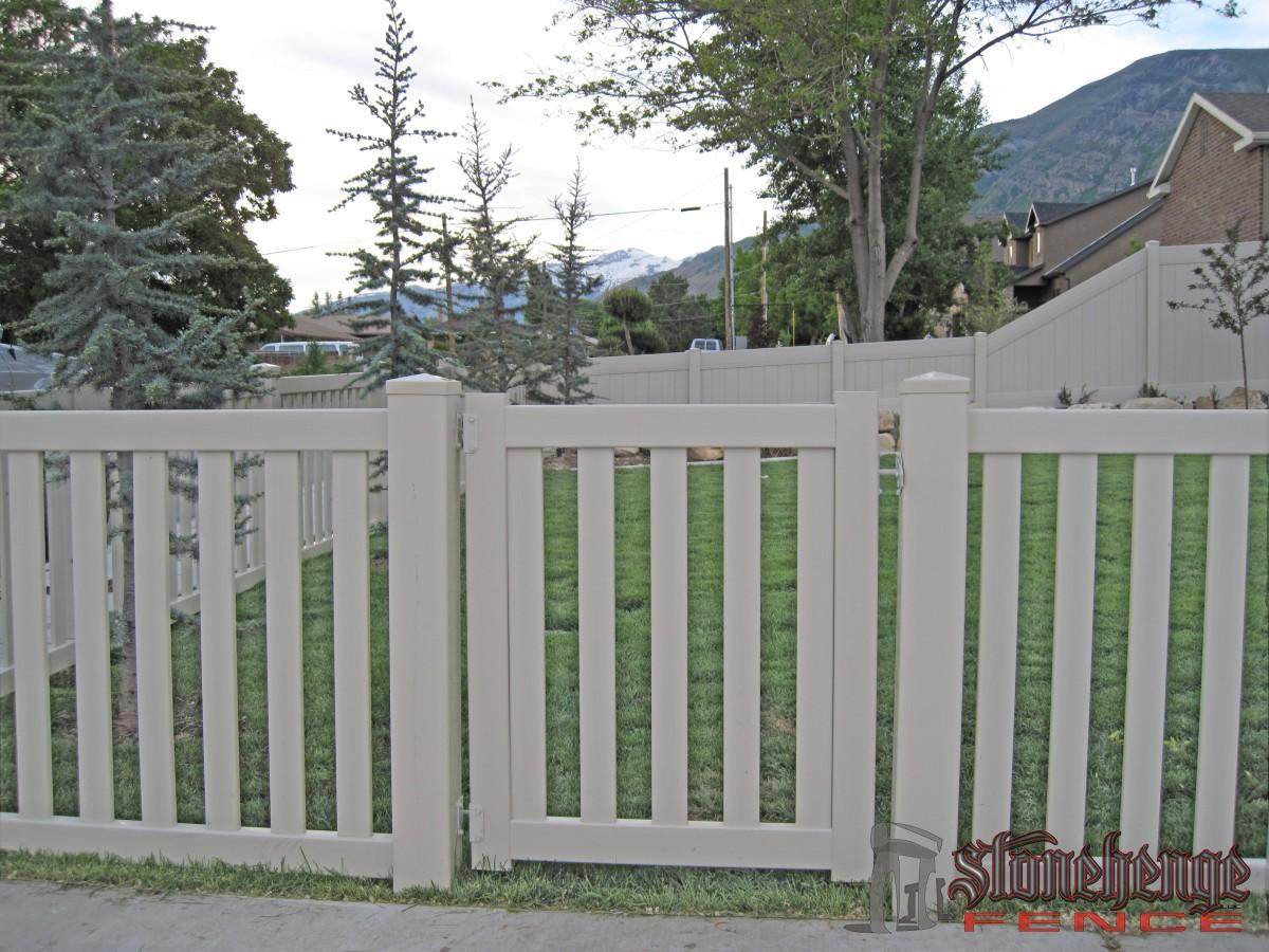 vinyl-fencing008